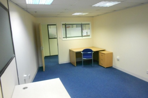 Office to rent 2